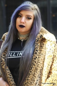 how to wear a graphic tee goth girl scene grunge glam animal print gray lilac hair choker septum ring