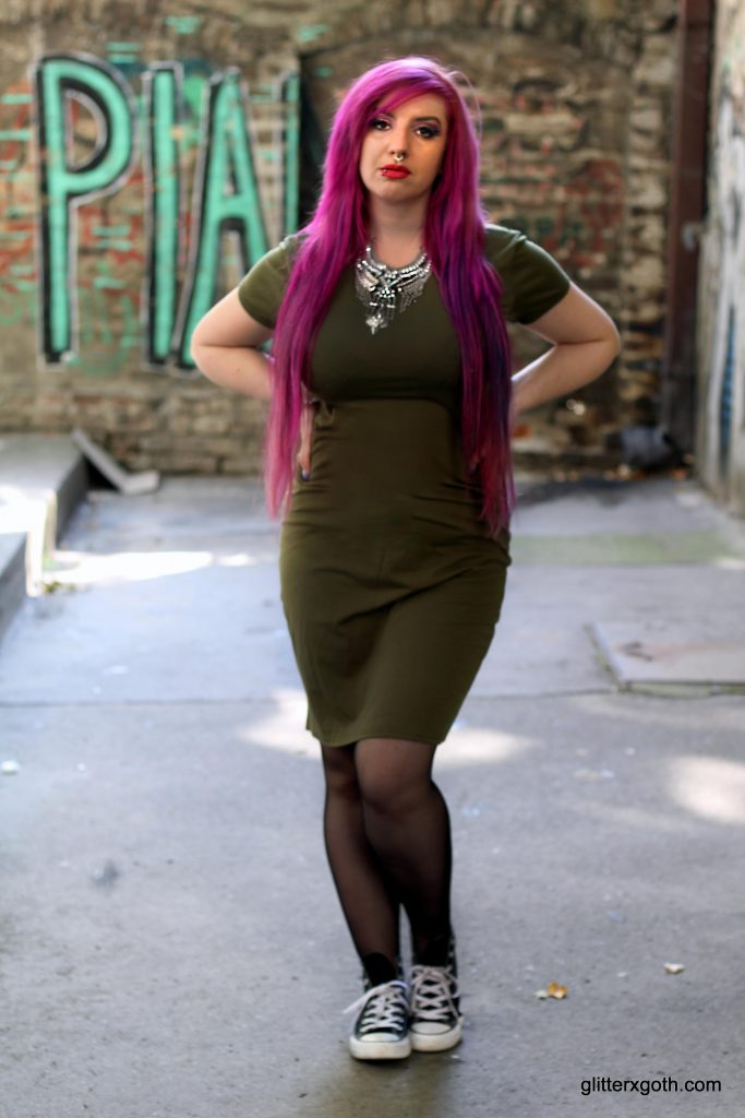 t-shirt army green dress